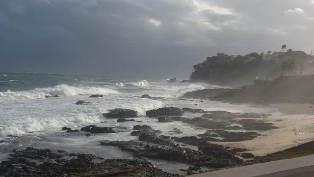 Vai rolar onda de quatro metros no litoral. Muito cuidado!