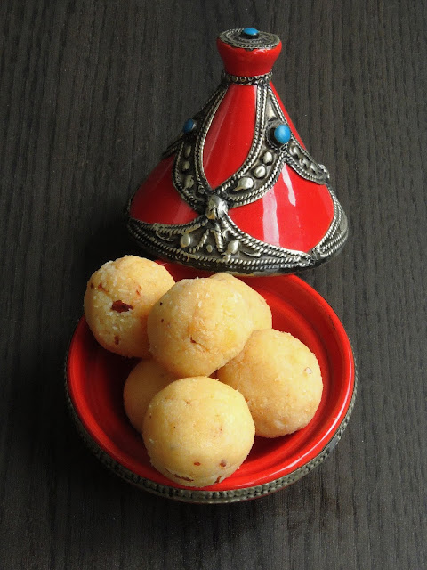Khoya Laddoos with Dessicated Coconut, Nariyali Khoya Laddoos