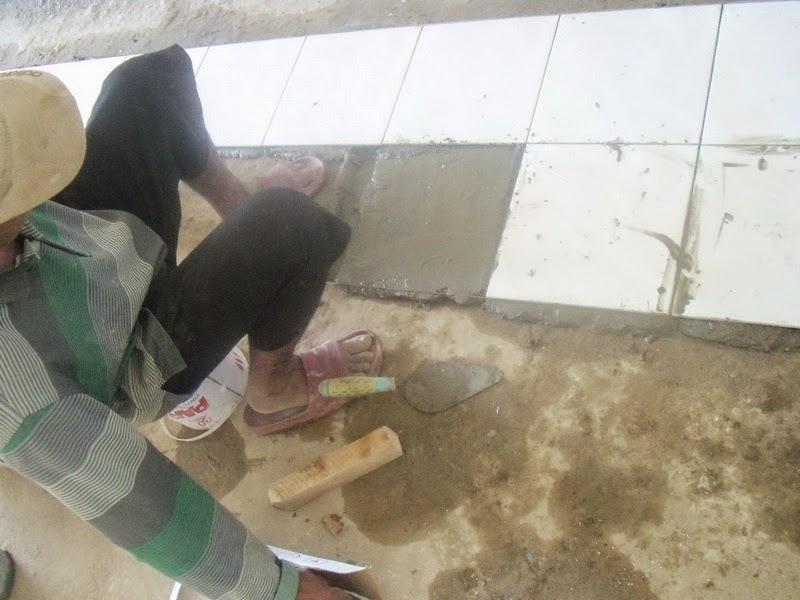 Rumahku 1 Tips Cara Pasang Keramik Lantai