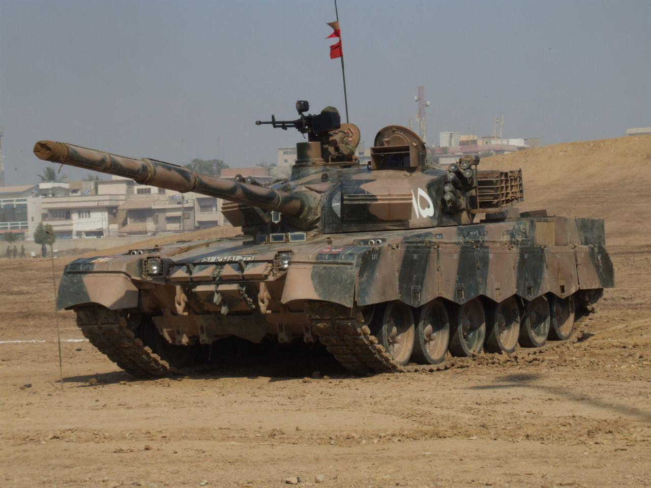 https://2.bp.blogspot.com/-l810vTTMlCg/TeKS0FFuPGI/AAAAAAAAAOo/2nBMyB1MXKw/s1600/al+khalid+mian+battle+tank+%2528Pakistan%2529+12.jpg