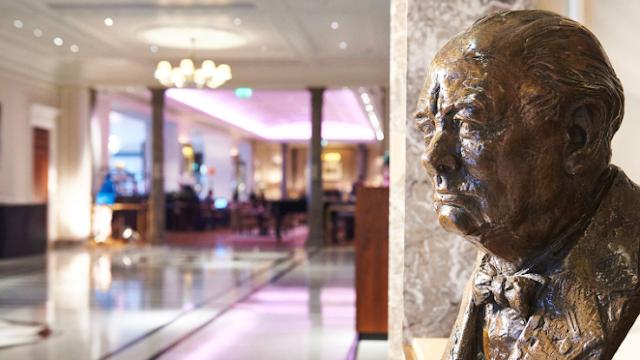 Winston Churchill statue at Hyatt Regency London-The Churchill