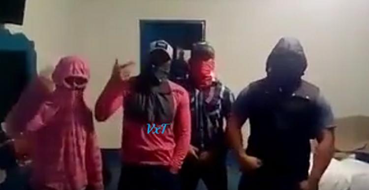 VIDEO CONTESTAN ZETAS DEL CDN A LOS DEL PENAL DE TOPO CHICO Y VOLTEADOS, ANUNCIAN VENGANZA Y GUERRA INTERNA