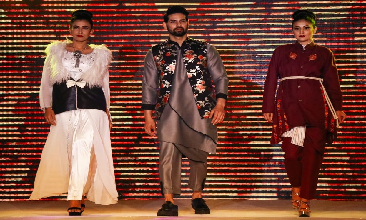 Shahid Rashid showcases his 'Dastoor' Collection at Jammu Fashion Week
