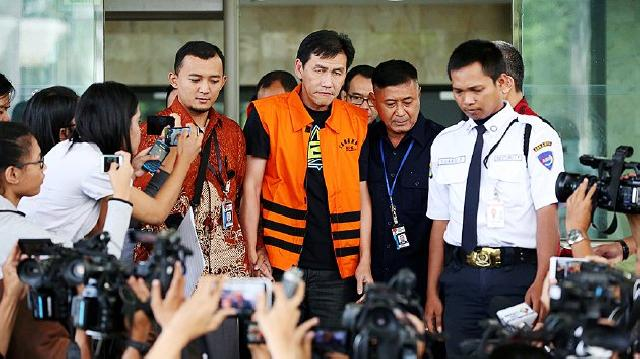 Ariesman Widjaja dituntut 4 tahun penjara