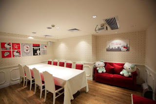 Wow, Ada Restoran Hello Kitty Resmi Di China