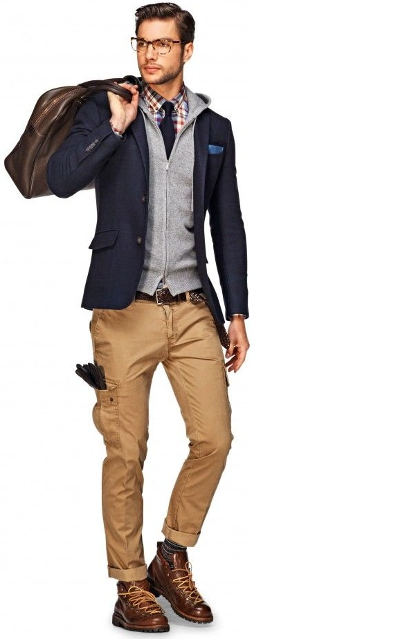 Navy blazer looks formal look in khaki pant, khaki pants dress shirt color