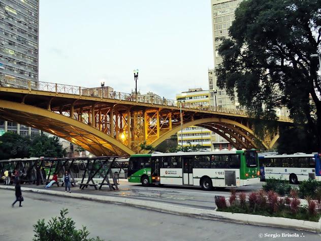 Vista lateral do Viaduto Santa Ifigênia - Centro - São Paulo