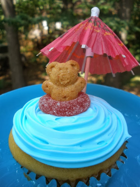 Pool Party Cupcakes by Me and My Pink Mixer