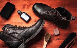 tips membersihkan sepatu kulit