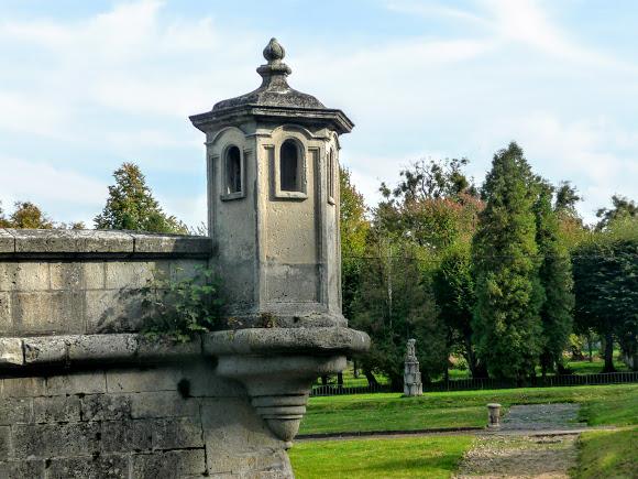 Підгорецький замок. Бастіони з вежами