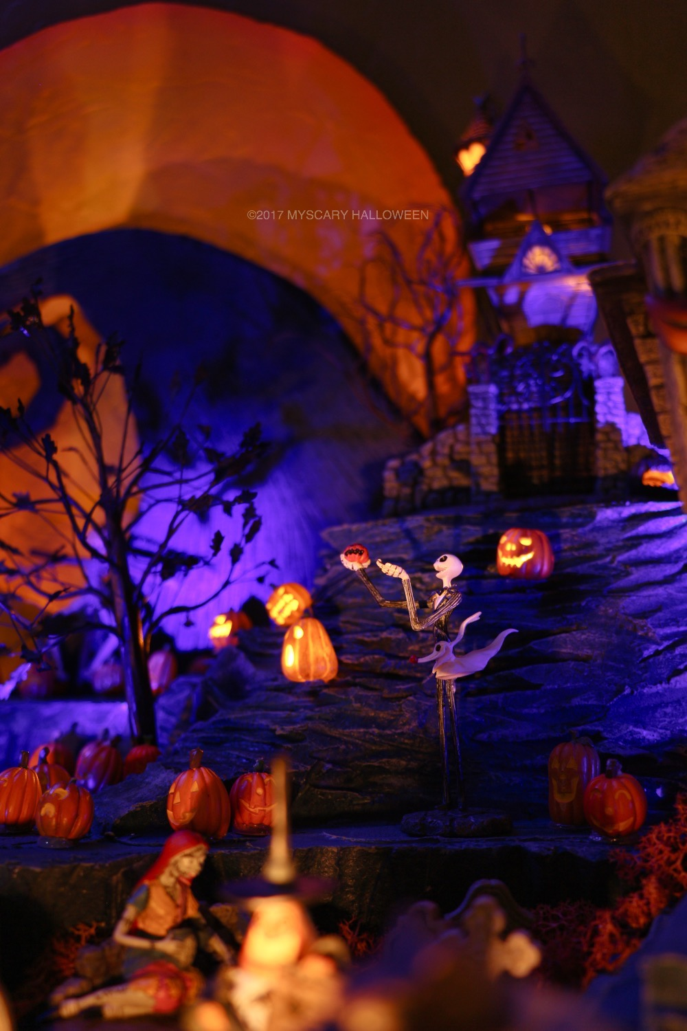 MyScaryBlog.com: Halloween Village Preview