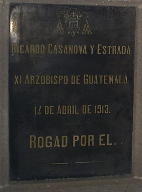 Placa de Ricardo Casanova y Estrada