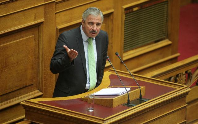 Τη διαβεβαίωση ότι η κυβέρνηση δίνει πρώτη προτεραιότητα στην υλοποίηση του αγωγού Μπουργκάς - Αλεξανδρούπολη, παρείχε ο υφυπουργός Ενέργειας, Γ.Μανιάτης, την Πέμπτη στη Βουλή, θέτοντας ως χρονοδιάγραμμα έναρξης κατασκευής του έργου το δεύτερο εξάμηνο του 2013. -