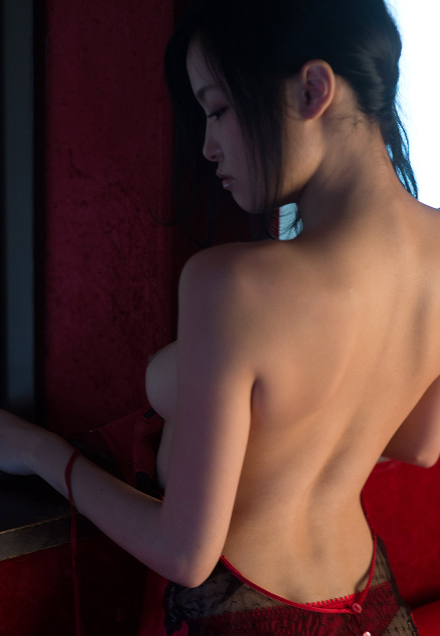 ai yuzuki sexy naked pics