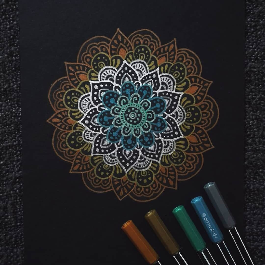 05-Nighttime-Gyöngyi-Szabó-Bright-and-Colorful-Mandala-Drawings-www-designstack-co