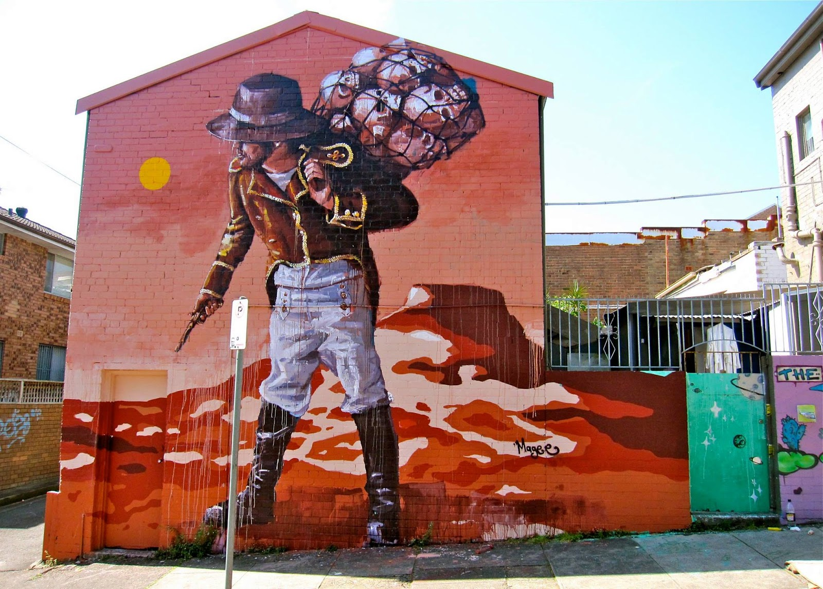 Fintan Magee is back in Australia where he spent a few days working on this new piece somewhere in Enmore, Sydney.