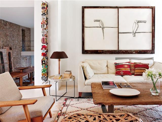 un salon con arte chicanddeco