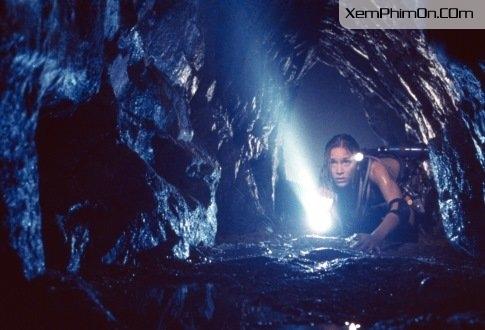 Hang Cấm - The Cave