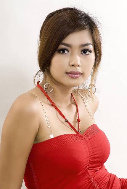 Myanmar Model Nwe Nwe Tun