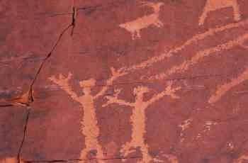 Die Wandmalerei in Norwegen zeigt eindeutig , dass die Frau die Jägerin und Soldatin war