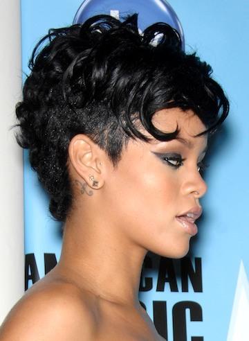 Rihanna Short Hairstyles Hairstyles And Haircuts
