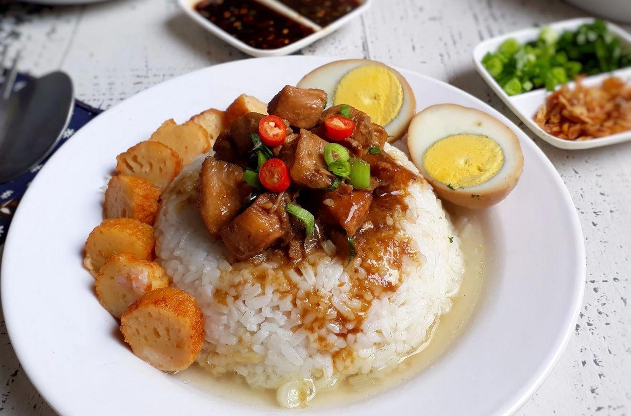 Resep Nasi Bakmoy Ayam Spesial (resepkoki.id)