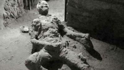 """Viral Mayat """"Masturbasi"""" Berusia 2000 Tahun di Pompeii, Kini Terungkap Misterinya"""