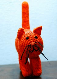 http://www.ravelry.com/patterns/library/dikkie-dik