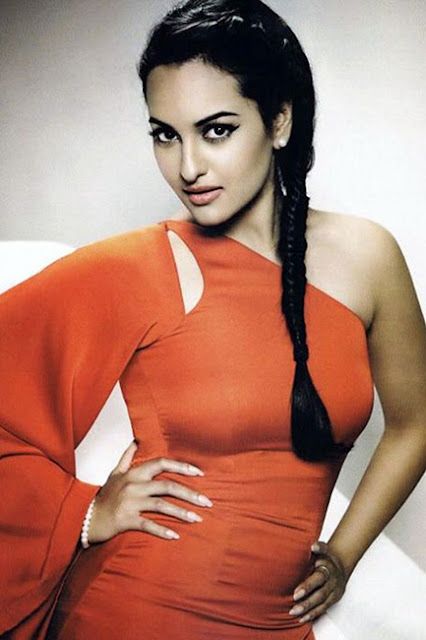 Dabangg actress Sonakshi Sinha is looking scintillating in this pic.