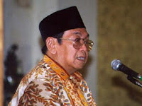 Gus Dur dan 7 'orang gila' dari Jombang