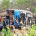 Motorista perde controle de caminhão e tomba veículo na BR-242, em Barreiras