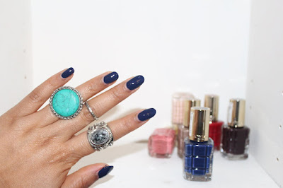 L'Oreal Le Vernis À L'Huile, 663 Mocha Chic, 668 Blue Royale, 566  Grenat Irreverent