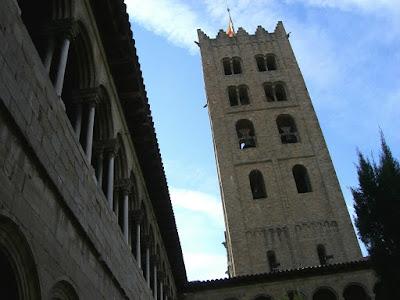 Campanario del monasterio de Ripoll