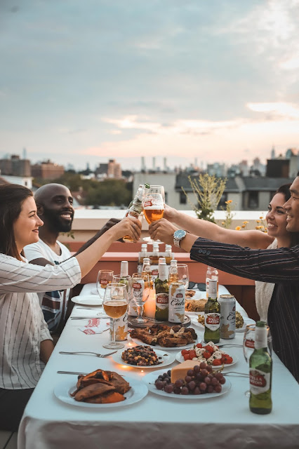 Stella Artois Cheers with Friends on NYC Rooftop