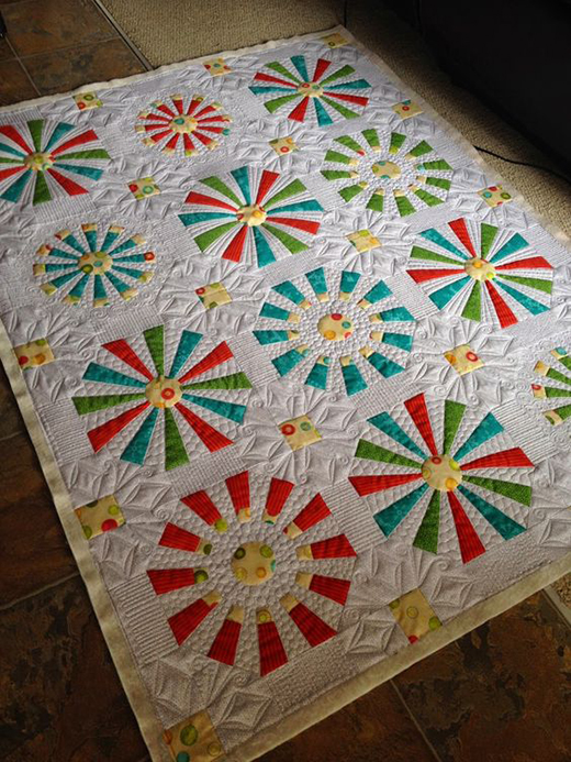 Modern Dresden Plate Quilt Free Tutorial by Geta Grama of GetasQuiltingStudio