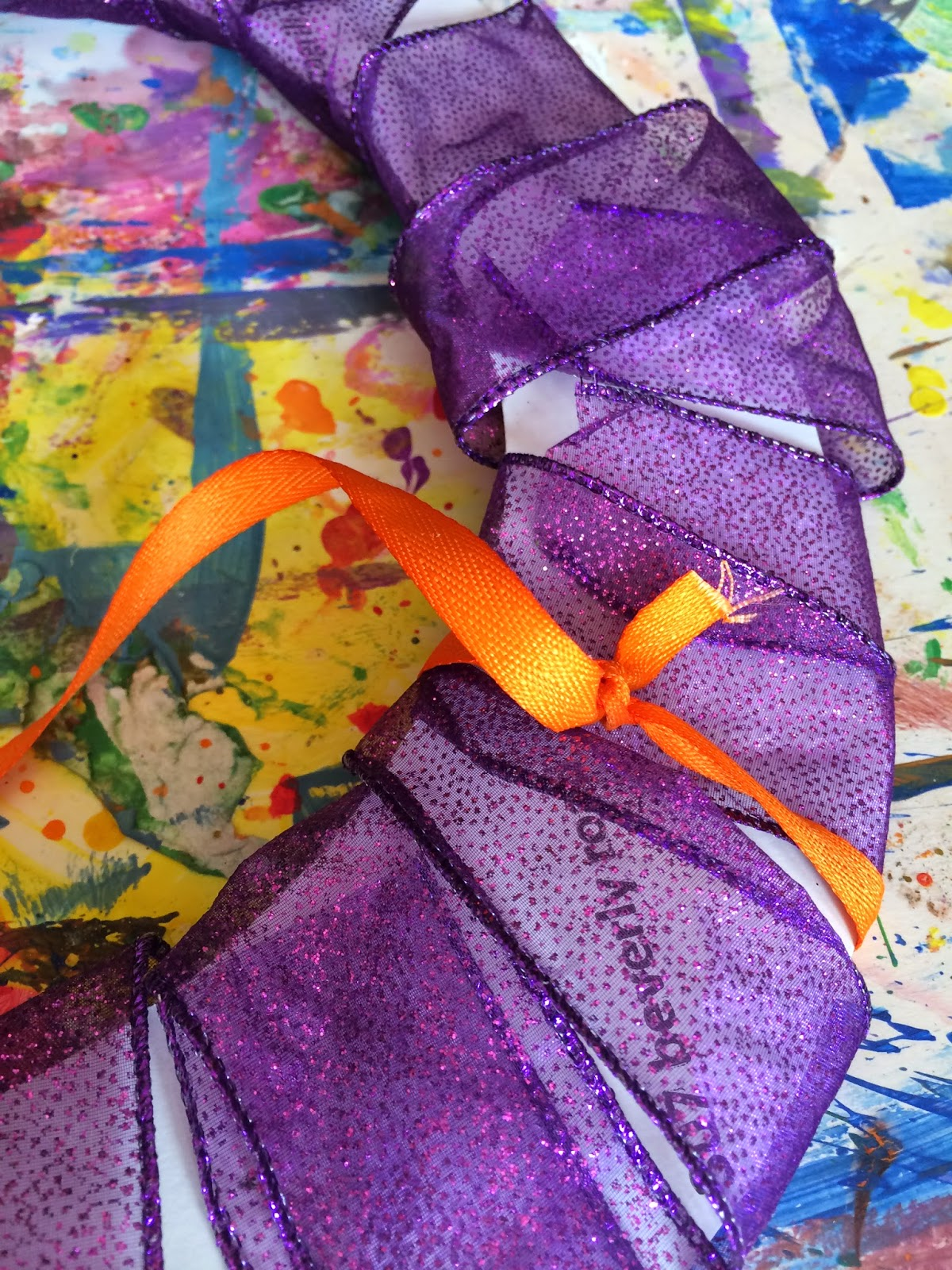 Mini Monets and Mommies: Kids' Halloween Wreath Craft