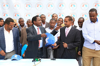 Wiper leader Kalonzo Musyoka welcomes Hon. Dr Abdi Nur to the wiper party. PHOTO | Courtesy