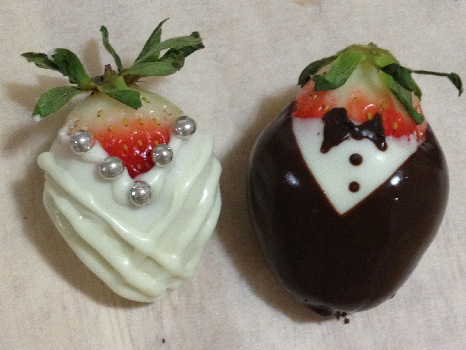 Sweet Frosting: Chocolate Dipped Strawberries- Valentine's ...