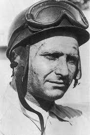 Juan Manuel Fangio Deramo diperingati hari ulang tahunnya yang ke 105 oleh Google. Selain itu Fangio juga tampil pada halaman utama di salah satu mesin pencari sangat terkenal yaitu Google.  Pada hari Jumat (24 Juni 2016) ketika kita membuka halaman utama untuk melakukan pencarian di internet melalui mesin pencari Google, maka otomatis kita akan melihat penampilan yang berbeda. Karena tampilan tersebut berupa gambar desain elemen visual mobil balap serta karikatur foto Fangio sedang mengenakan helmet beserta kacamata pelindung melekat pada helmet tersebut.
