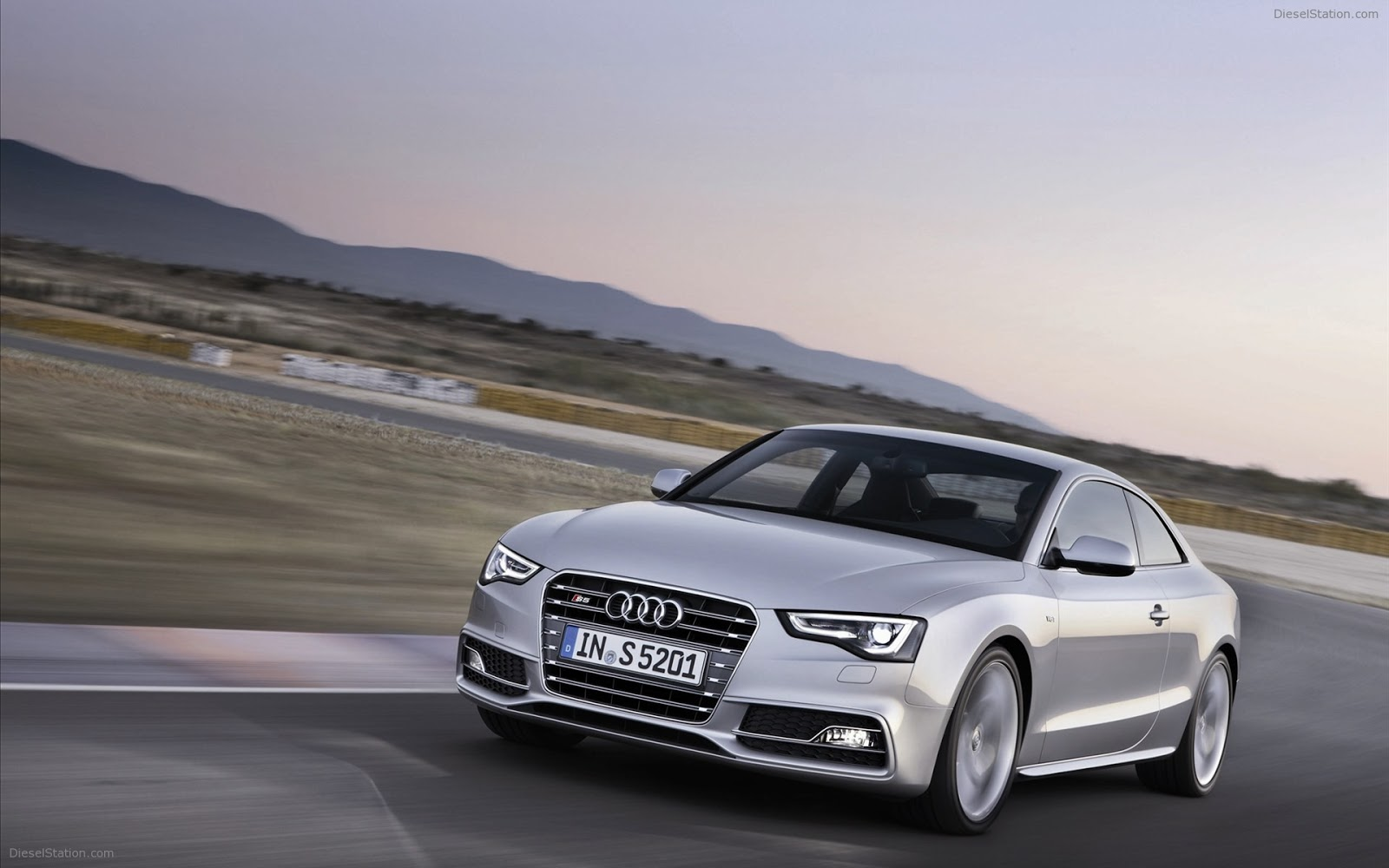 Year2008 Top 27 Most Beautiful And Dashing AUDI CAR Wallpapers In HD