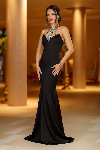 rochie de seara lunga neagra cu pietre aplicate