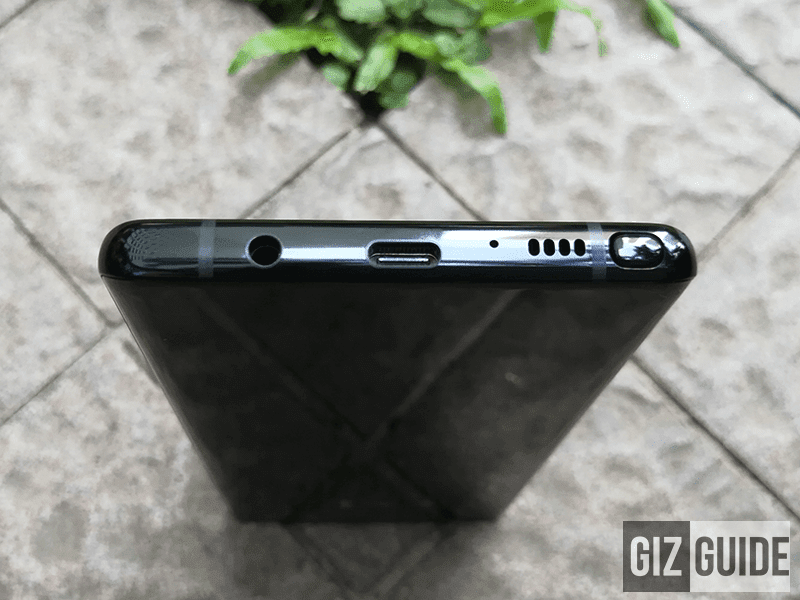 Headphone jack slot (very nice to have), USB Type C port, another mic, speaker, and S Pen