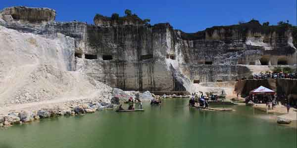 Bukit Jaddih, Panorama Menawan dari Penambangan Batu Kapur