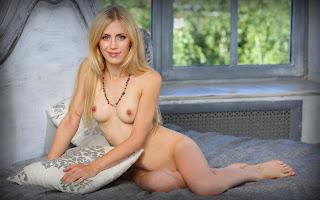 female cherry pie - Sexy Naked Girl Tamara F - 4