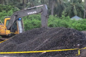 Polres Selayar Policeline Material Dan Alat Berat Proyek Jembatan Appabatu