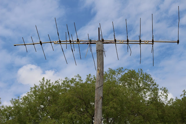 An old tv antenna