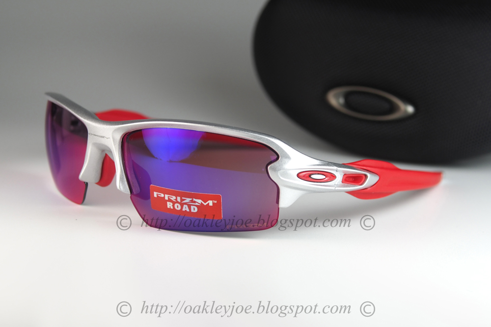4b87540d8868b silver + prizm road  245 lens pre coated with Oakley hydrophobic nano  solution complete set with box