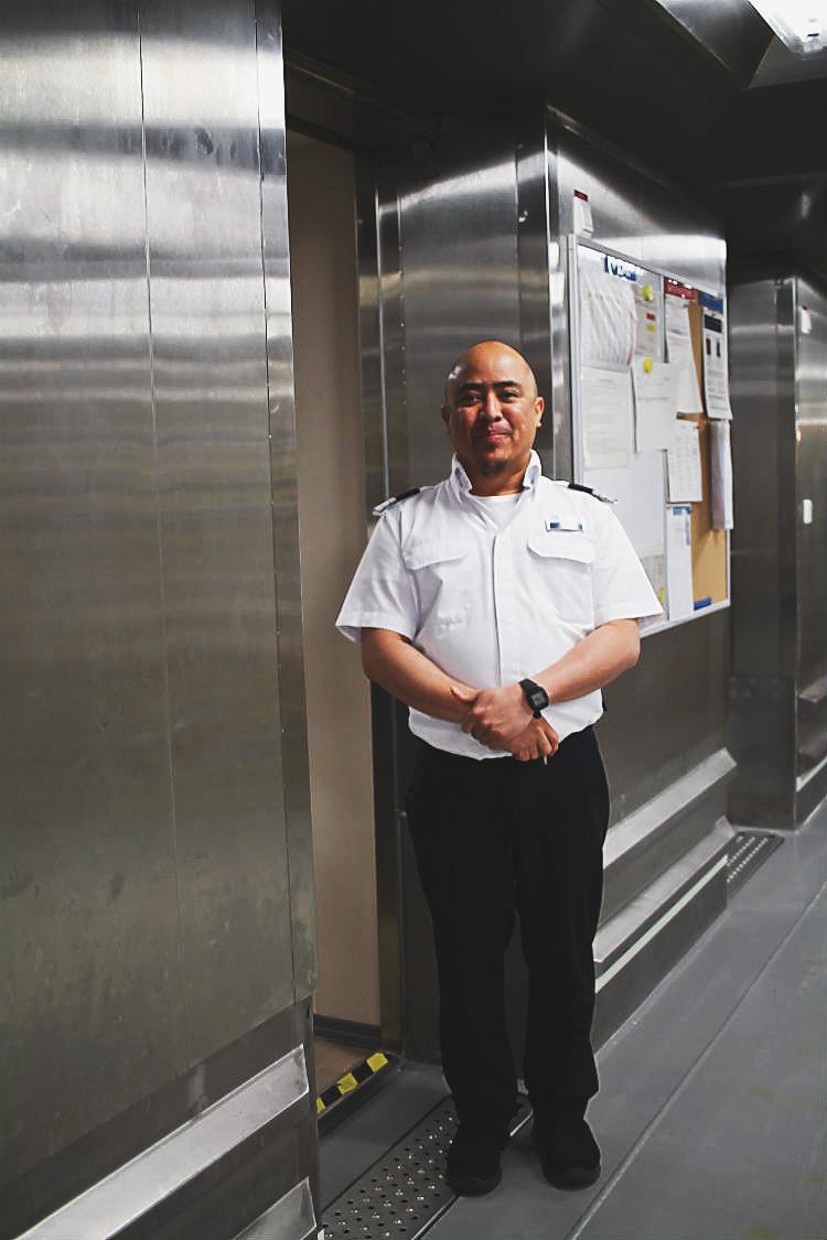 Provisions Area Manager an Bord der Mein Schiff 5 von Tui Cruises | Arthurs Tochter kocht. Der Blog für Food, Wine, Travel & Love von Astrid Paul