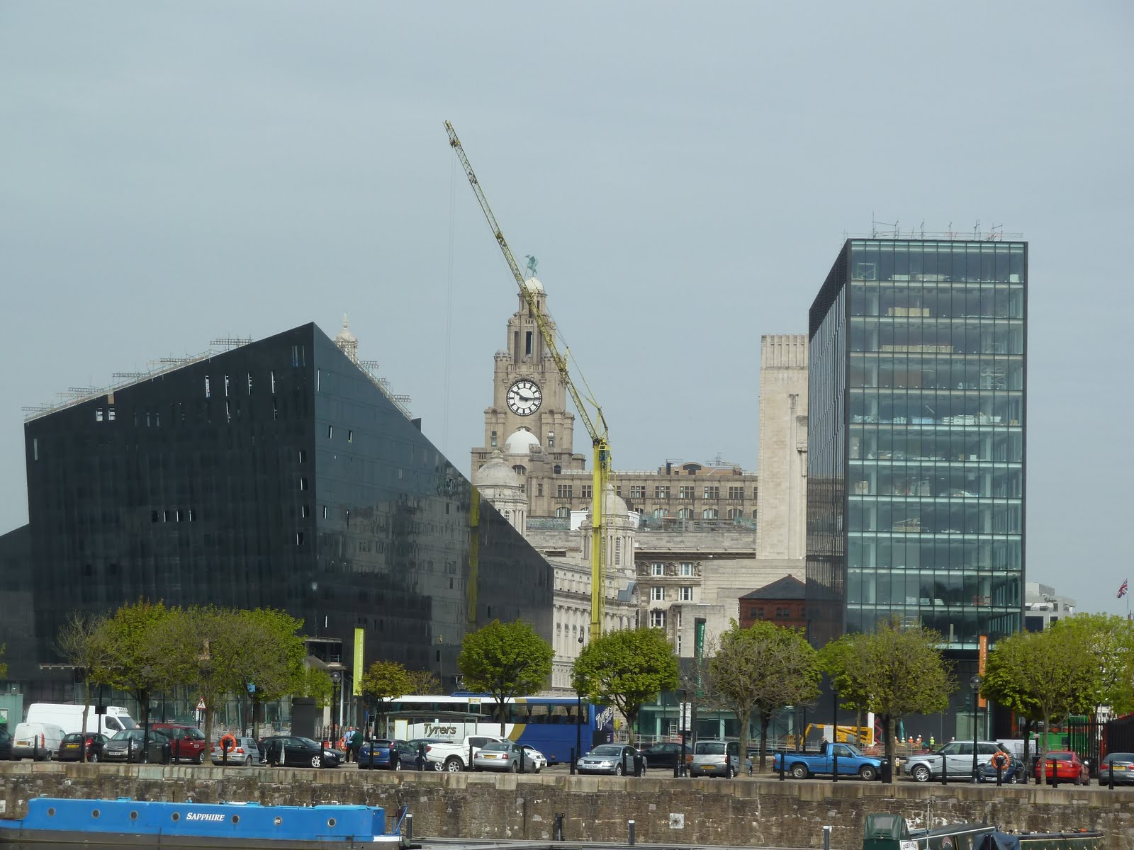 The unimaginative piece of modern design clearly blocks views of the Liver Building