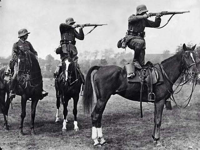 Horses in World War II worldwartwo.filminspector.com German troops